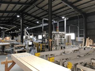 複雑な加工や大スパンにも柔軟に対応できるプレカットシステムを構築しています。
